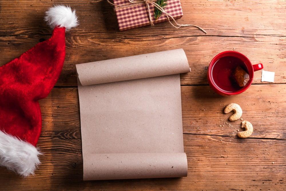 Tomt papir der skal bruges til ønsker til jul